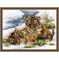 Риолис 1564 Тигрята в снегу