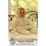 Комплект для малыша: кофточка, носочки и одеяло