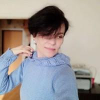 Голубой свитер с ажурными вставками и капюшоном от автора Татьяна